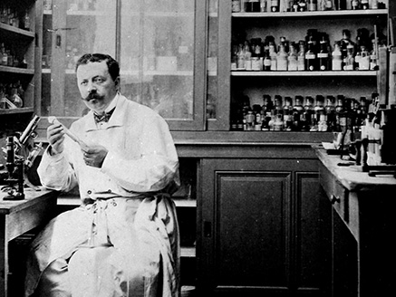 Marcel Mérieux in is laboratory